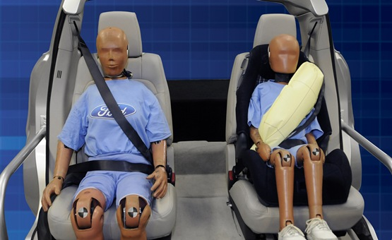 Ford Inflatable Seat Belts