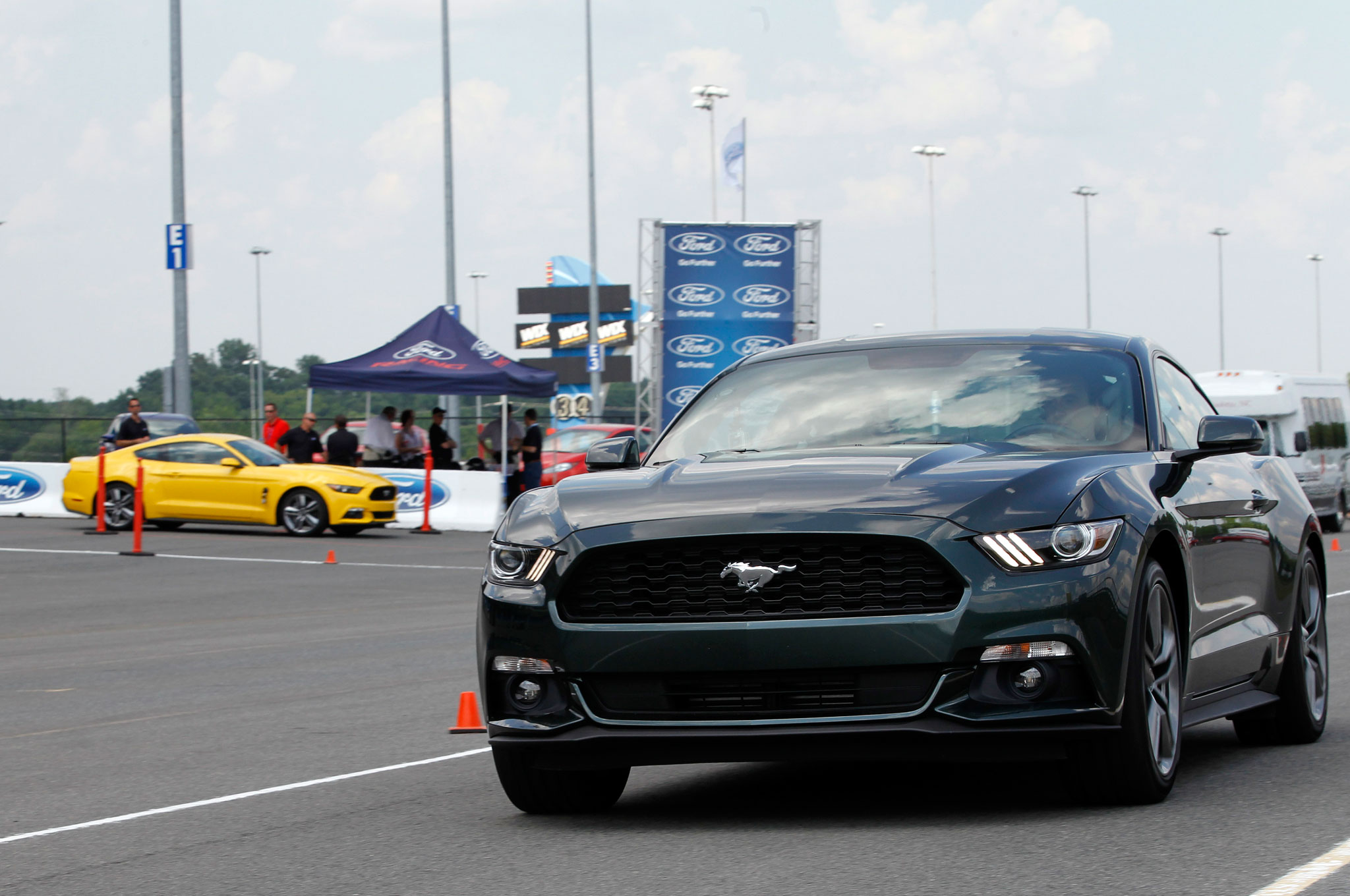 Pony Up The 2015 Mustang Specs Are Out Ford Addict